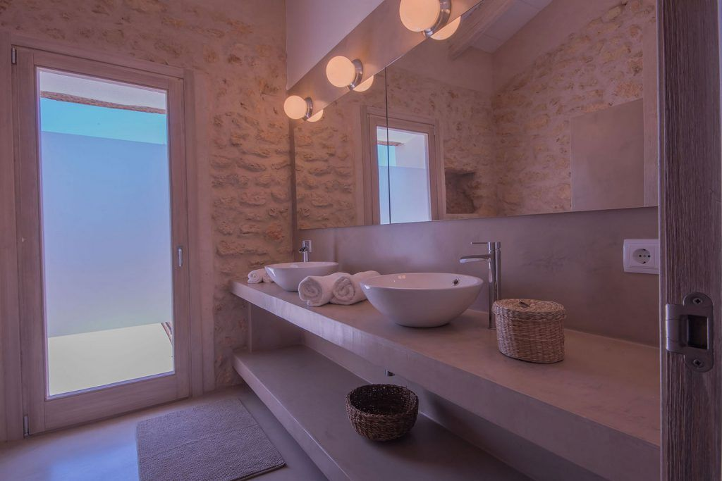 reformar tu baño con microcemento económico y en tiempo récord.