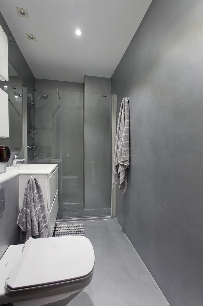 renovate your bathroom with microcement no work is required.